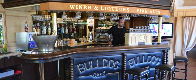 chenal-hotel-bar-beauvais-bulldog