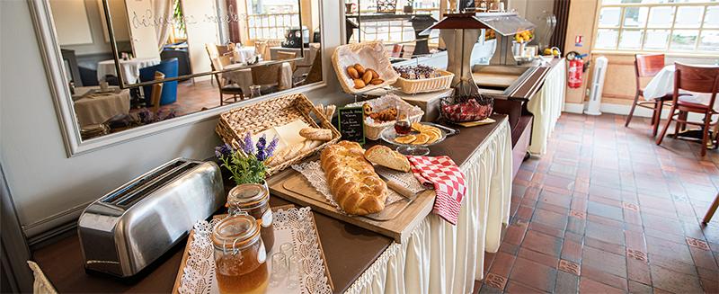 hotel-chenal-beauvais-petit-déjeuner-01