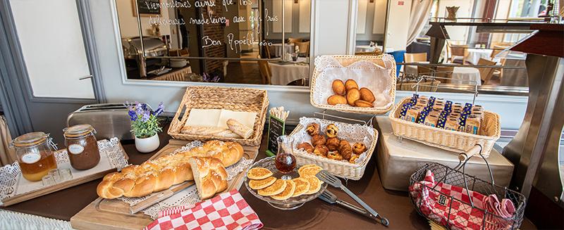 hotel-chenal-beauvais-petit-déjeuner-02